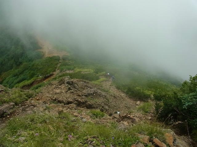八ヶ岳・阿弥陀岳(南沢~中岳のコル) 登山口コースガイド 岩場の急登からのコル【登山口ナビ】