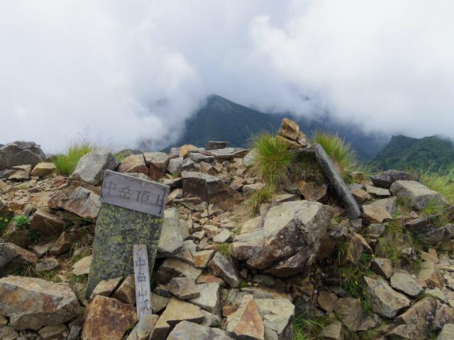 八ヶ岳・阿弥陀岳(南沢~中岳のコル) 登山口コースガイド 中岳山頂【登山口ナビ】