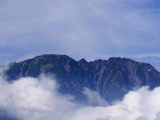 辻山(甘利山~千頭星山)登山口コースガイド 辻山山頂からの農鳥岳【登山口ナビ】