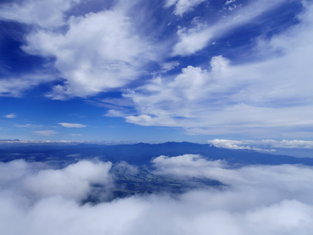 鳳凰三山(広河原~白鳳峠・高嶺)登山口コースガイド 薬師岳山頂からの奥秩父山塊の展望【登山口ナビ】