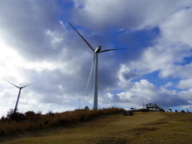 三筋山(天城三筋山遊歩道) 風力発電機【登山口ナビ】