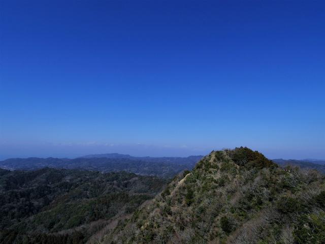 伊予ヶ岳(平群天神社コース) 登山口コースガイド 南峰山頂から北峰の眺望【登山口ナビ】