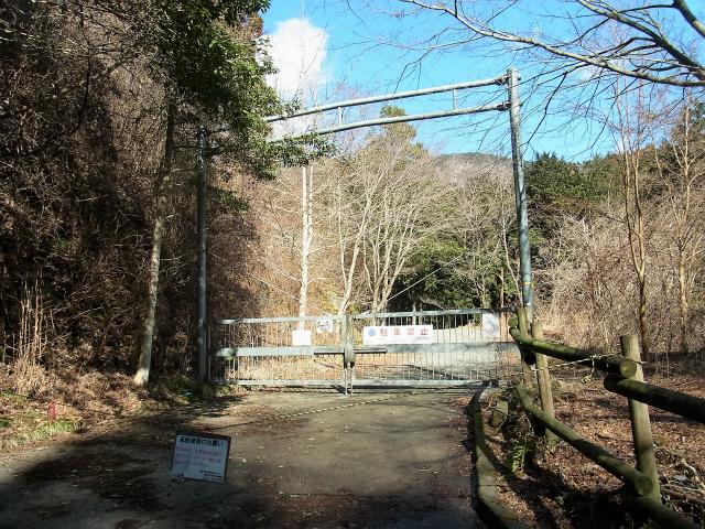 鍋割山(二俣~後沢乗越コース)コースガイド 上秦野林道ゲート【登山口ナビ】
