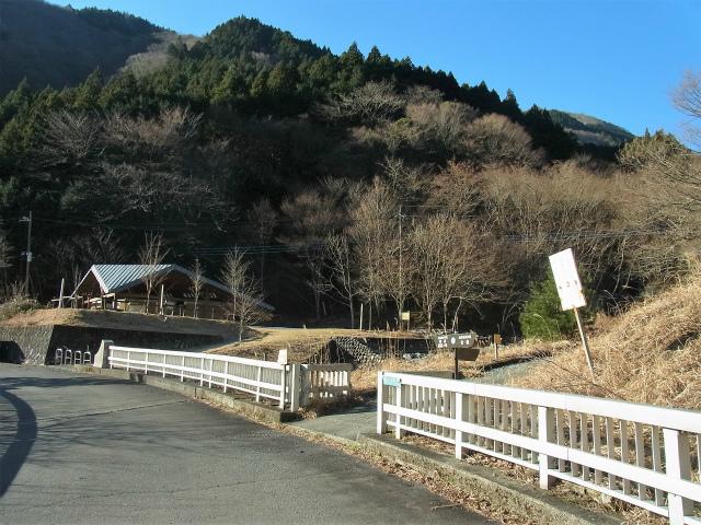 檜洞丸(日陰沢~犬越路コース) 登山口コースガイド 登山道入口【登山口ナビ】