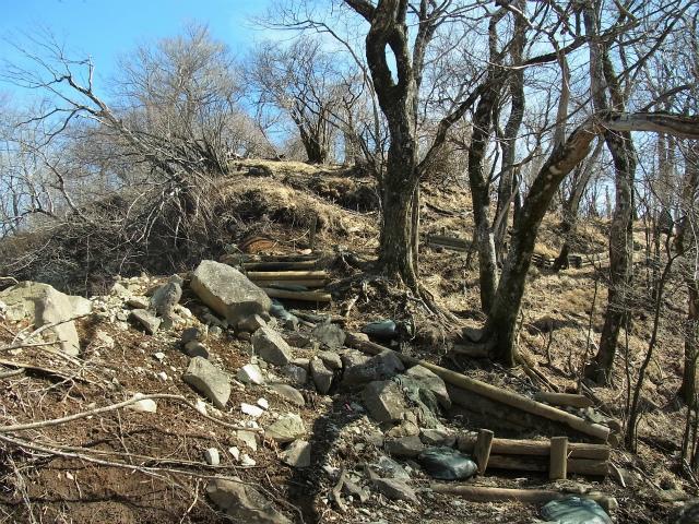 檜洞丸(日陰沢~犬越路コース) 登山口コースガイド 崩落地【登山口ナビ】