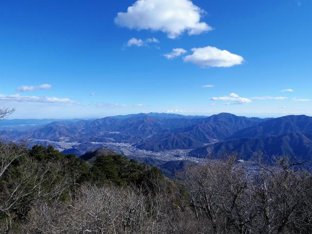 三ツ峠山(北口登山道)登山口コースガイド 開運山山頂からの丹沢山地の眺望【登山口コースガイド】