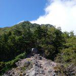 八ヶ岳・赤岳(真教寺尾根) 登山口コースガイド 露岩【登山口ナビ】