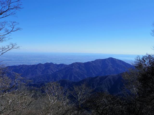 丹沢山(早戸大滝~丹沢三峰) 登山口コースガイド 山頂手前からの大山三峰山【登山口ナビ】