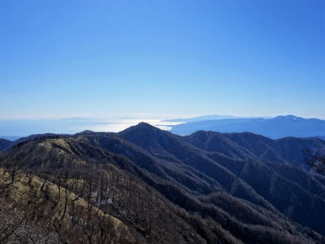 丹沢山(早戸大滝~大滝新道) 登山口コースガイド 丹沢山山頂からの箱根・相模湾【登山口ナビ】