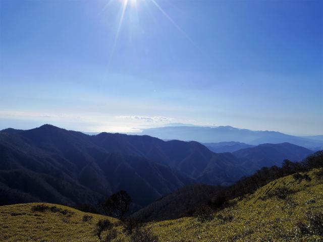 丹沢山(早戸大滝~大滝新道) 登山口コースガイド 不動ノ峰から鍋割山稜の展望【登山口ナビ】