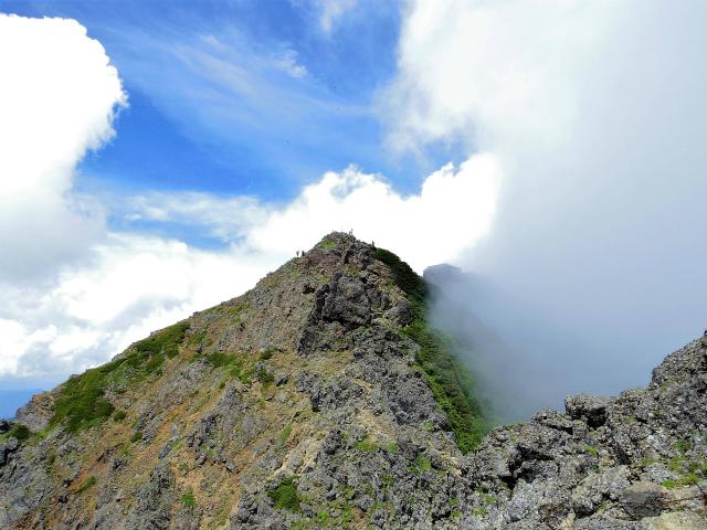 赤岳(八ヶ岳)・真教寺尾根 登山口コースガイド 竜頭峰からの赤岳山頂【登山口ナビ】