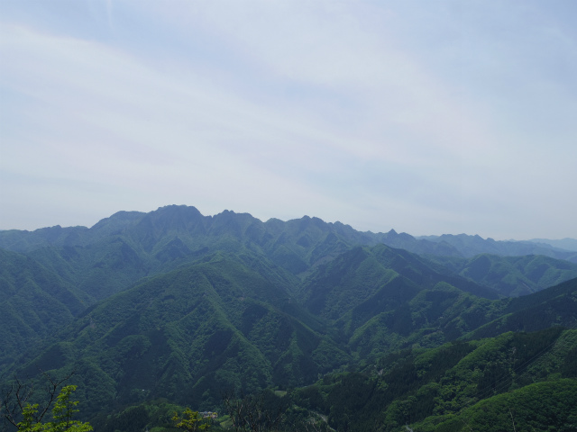 西上州・二子山(東岳・西岳) 登山口コースガイド 両神山展望【登山口ナビ】