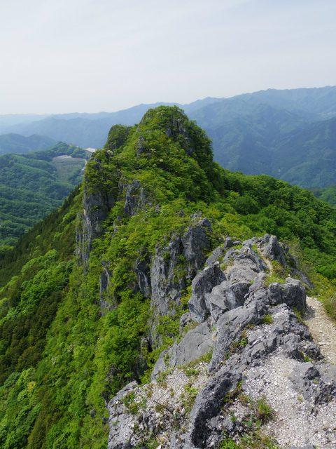 西上州・二子山(東岳・西岳) 登山口コースガイド 西のコル【登山口ナビ】