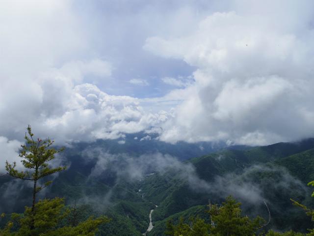 鶏冠山・木賊山(鶏冠尾根) 登山口コースガイド【登山口ナビ】