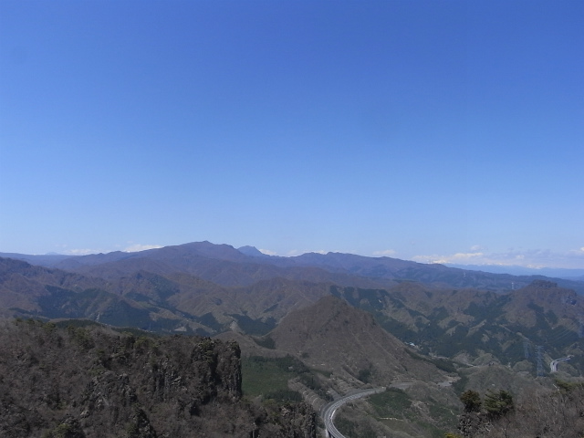 高岩・雄岳 登山口コースガイド 山頂からの展望 榛名富士【登山口ナビ】