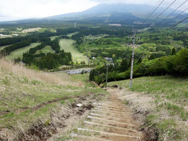 越前岳(十里木高原ルート) 登山口コースガイド 階段【登山口ナビ】