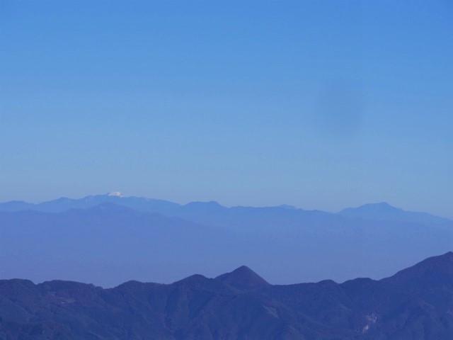 大ナゲシ(赤岩峠経由) 登山口コースガイド 山頂からの男体山【登山口ナビ】