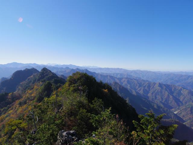 赤岩岳(赤岩尾根) 登山口コースガイド P1峰山頂の眺望 赤岩尾根【登山口ナビ】