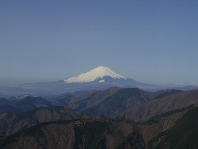 塔ノ岳(丹沢表尾根) 登山口コースガイド 三ノ塔山頂からの富士山【登山口ナビ】