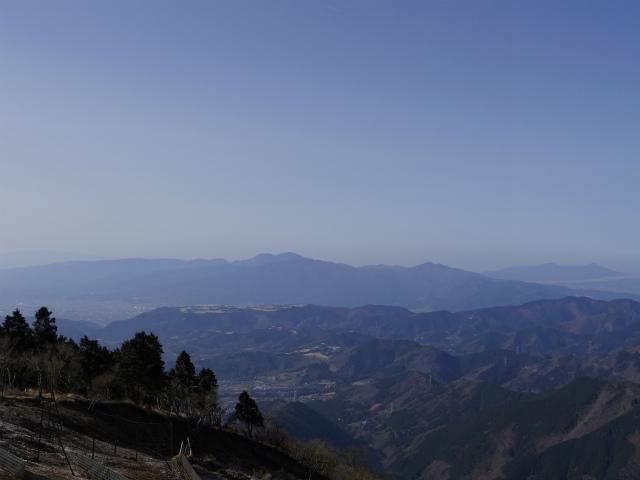 塔ノ岳(丹沢表尾根) 登山口コースガイド 三ノ塔山頂からの箱根【登山口ナビ】