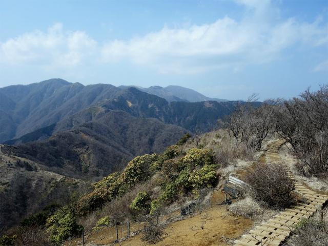 塔ノ岳(丹沢表尾根) 登山口コースガイド 三ノ塔山頂直下【登山口ナビ】