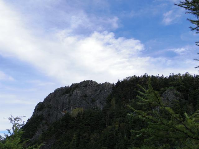 御座山(栗生コース) 登山口コースガイド 御座山岩稜【登山口ナビ】