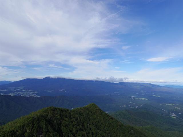 御座山(栗生コース) 登山口コースガイド 山頂からの展望 八ヶ岳・美ヶ原【登山口ナビ】