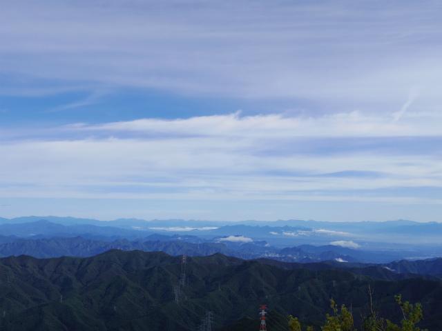 御座山(栗生コース) 登山口コースガイド 山頂からの展望 谷川連峰・日光連山【登山口ナビ】