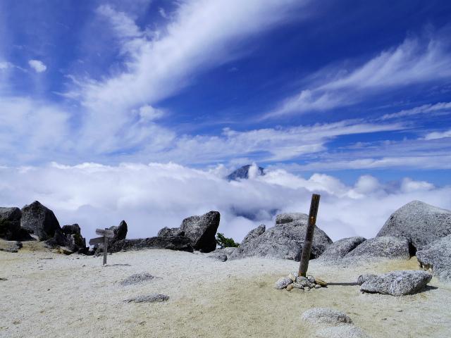 鳳凰三山(青木鉱泉~ドンドコ沢コース) 薬師岳山頂【登山口コースガイド】