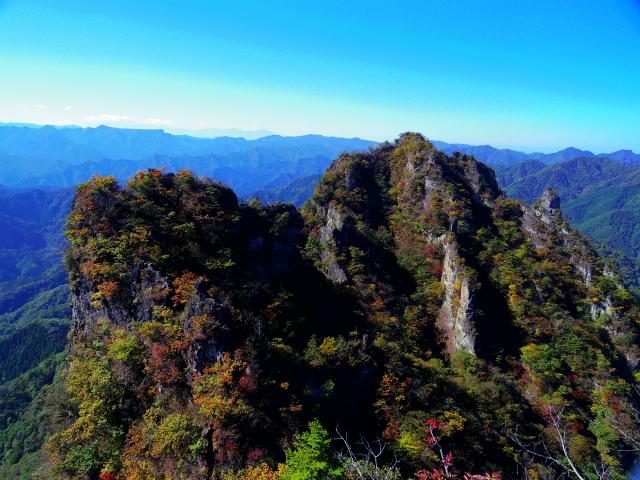表妙義・金洞山(中ノ岳~鷹戻し~相馬岳) 登山口コースガイド 中ノ岳・西岳【登山口ナビ】