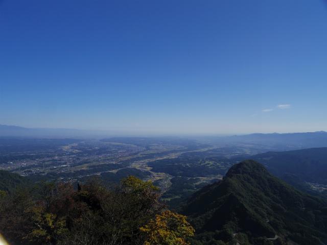 表妙義・金洞山(中ノ岳~鷹戻し~相馬岳) 登山口コースガイド 東岳山頂からの関東平野【登山口ナビ】