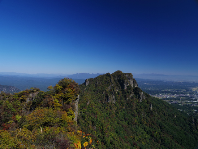 表妙義・金洞山(中ノ岳~鷹戻し~相馬岳) 登山口コースガイド 鷹戻しの頭山頂【登山口ナビ】