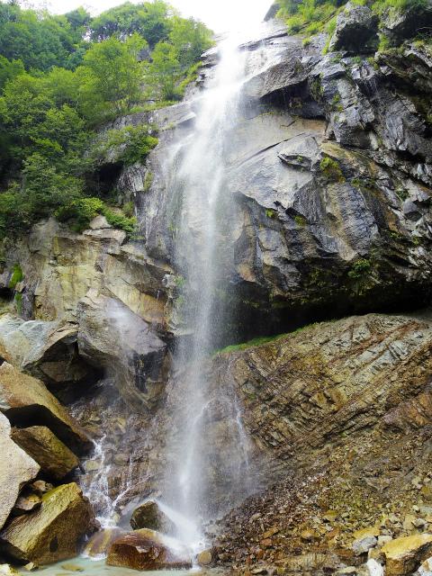鳳凰三山(青木鉱泉~ドンドコ沢コース) 五色滝直下【登山口コースガイド】