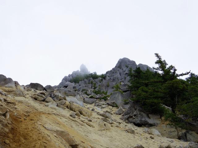 鳳凰三山(青木鉱泉~ドンドコ沢コース) 賽の河原【登山口コースガイド】