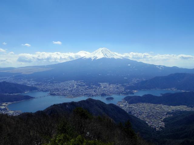御坂黒岳(新御坂トンネル河口湖口) 富士山・河口湖・西湖の眺望【登山口コースガイド】