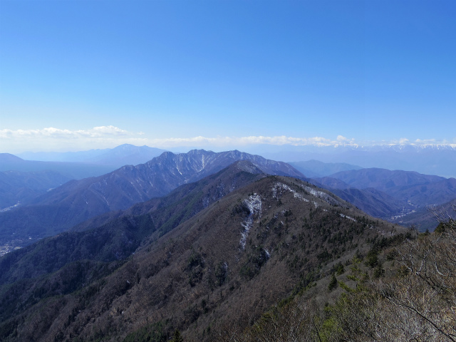 御坂黒岳(新御坂トンネル河口湖口) 御坂山塊・南アルプスの眺望【登山口コースガイド】