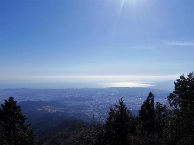 大山(ヤビツ峠~イタツミ尾根)山頂からの相模湾の眺望【登山口コースガイド】