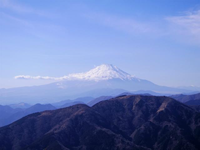 大山(ヤビツ峠~イタツミ尾根)大山山頂展望台からの富士山の眺望【登山口コースガイド】