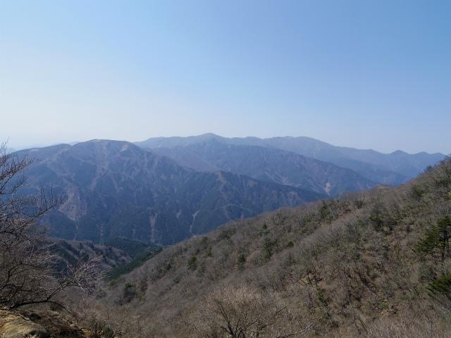 大山(ヤビツ峠~イタツミ尾根)塔ノ岳・丹沢山の眺望【登山口コースガイド】