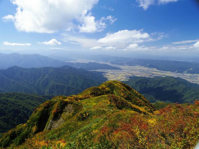 八海山(屏風道~新開道)九合目からの展望【登山口コースガイド】