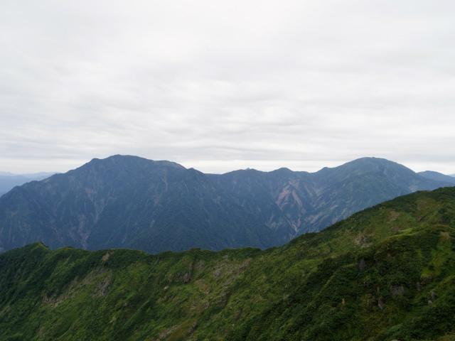 八海山(屏風道~新開道)大日岳山頂からの越後駒ヶ岳・中ノ岳の展望【登山口コースガイド】