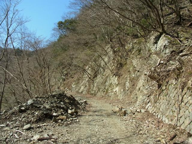 早戸大滝(2017年春版)コースガイド 早戸川林道ダート区間【登山口ナビ】
