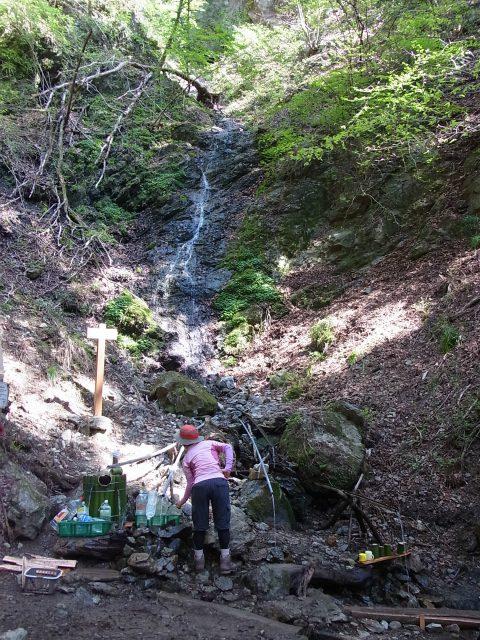 武甲山(表参道コース) 登山口コースガイド 不動滝の水場【登山口ナビ】