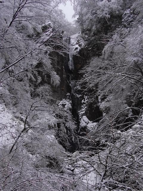 早戸大滝(2017年春版)コースガイド 冬の凍結【登山口ナビ】