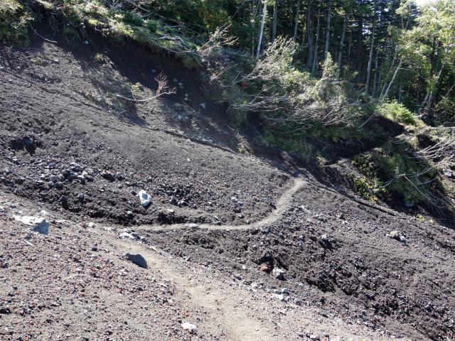 富士山 御中道(大沢崩れ) 登山口コースガイド 作業道の滑沢横断部【登山口ナビ】
