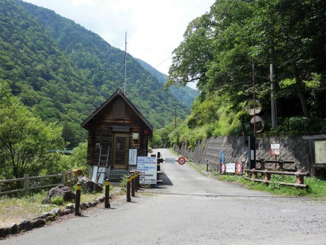 北岳(左俣コース)登山口コースガイド 北沢峠方面ゲート【登山口ナビ】