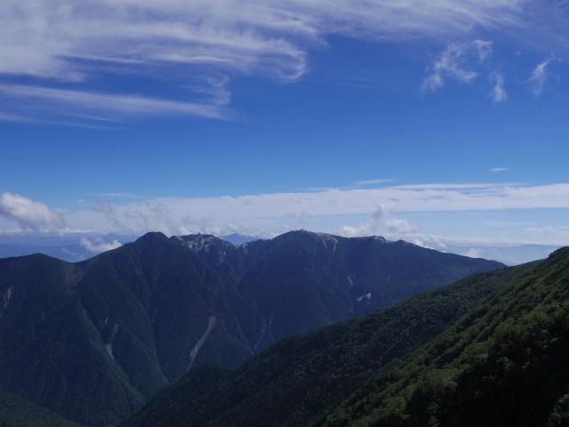 北岳(左俣コース)登山口コースガイド 八本歯のコル手前からの鳳凰三山【登山口ナビ】