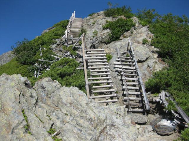 北岳(左俣コース)登山口コースガイド 八本歯のコルからのハシゴ【登山口ナビ】