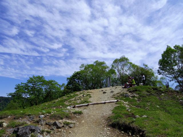 雲取山(七ツ石山・鴨沢ルート)登山口コースガイド 七ツ石山山頂【登山口ナビ】