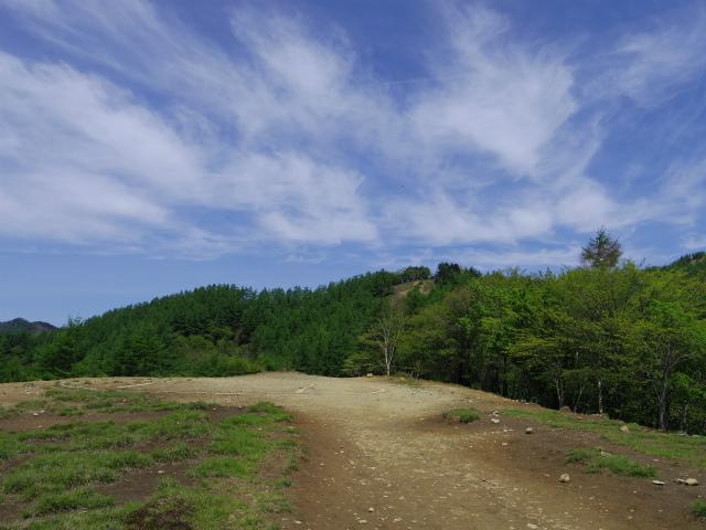 雲取山(七ツ石山・鴨沢ルート)登山口コースガイド ヘリポート【登山口ナビ】